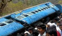 The rail route on Howrah-Delhi has been severly affacted following the derailment